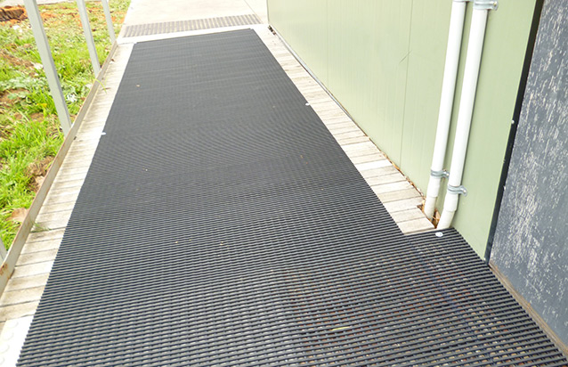 Safe Trax – Roof Top Matting