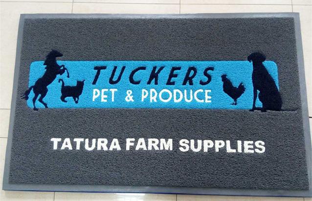 Tuckers Pet Produce Loopstyle Logo Mat